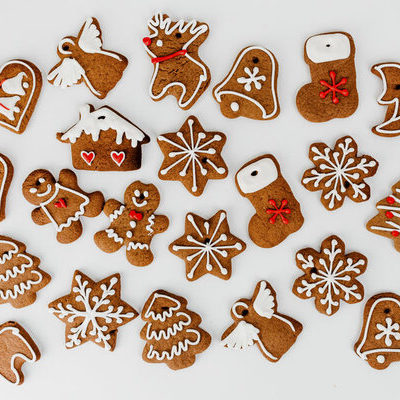 Gingerbread is the umbrella term for a variety of bakery products including soft loaves of bread, cakes, soft cookies, and hard snaps.